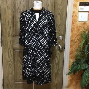Keyhole choker neck knit princess cut pocket dress